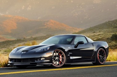 В Сети появились новые шпионские снимки Chevrolet Corvette ZR1