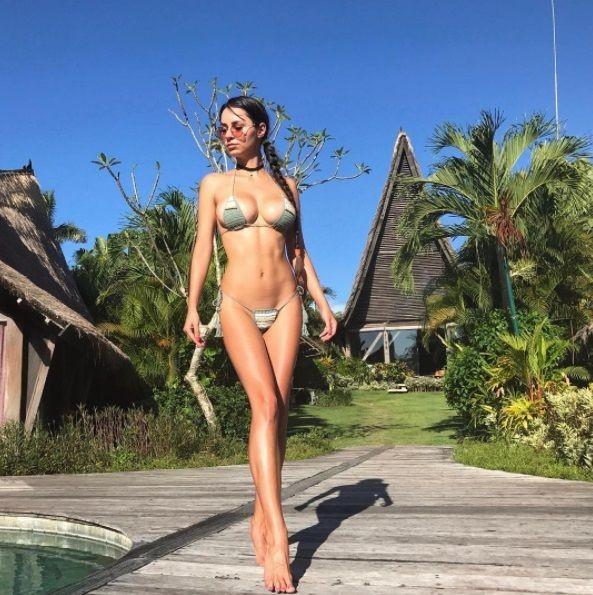 Хельга Лавкейти похвасталась снимком в купальнике