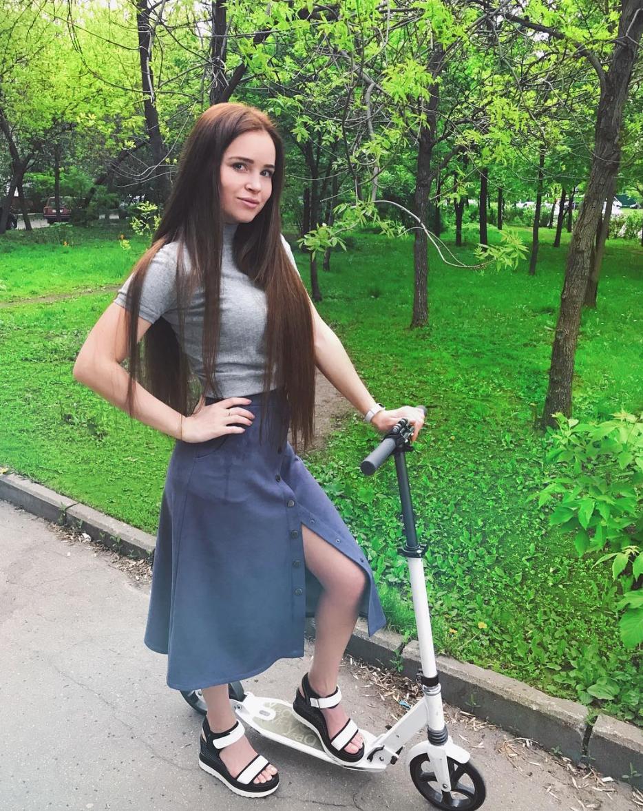 Чем сейчас живет и как выглядит Полина Гренц, сыгравшая пышку Сашу в сериале «Физрук» (ФОТО)