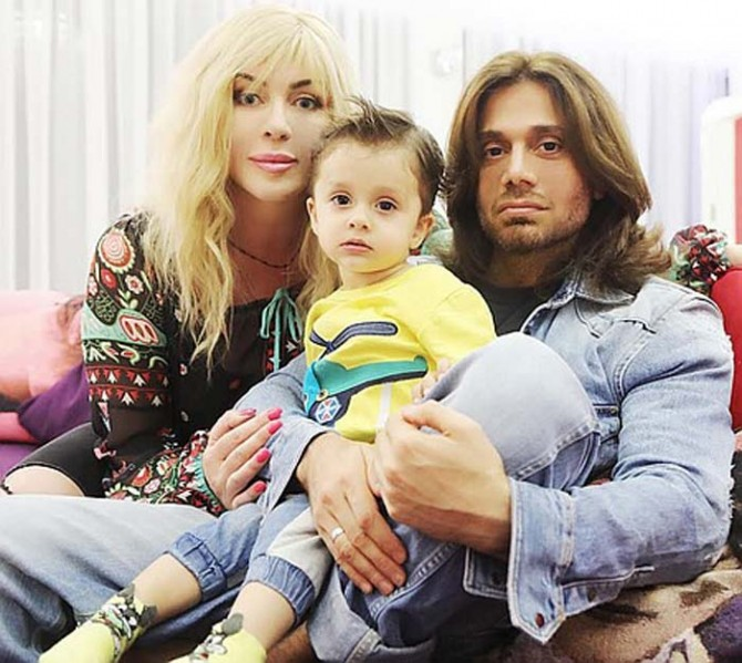Ирина Билык впервые показала сына Табриза (ФОТО)