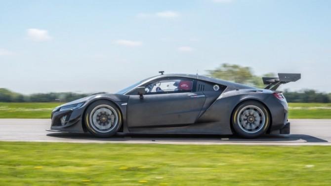Гоночный спорткар Acura NSX GT3 оценили в 465 тысяч евро (ФОТО)