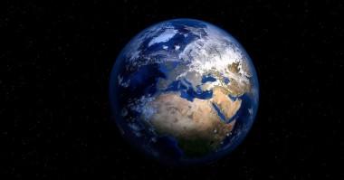 По мнению социологов в мире растет число сторонников теории плоской Земли