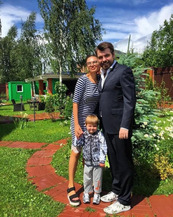 «Саша был прекрасным мужем»: Эвелина Бледанс прокомментировала развод (ФОТО)