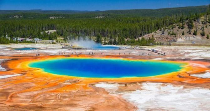10 мест на Земле, в существование которых трудно поверить (ФОТО)