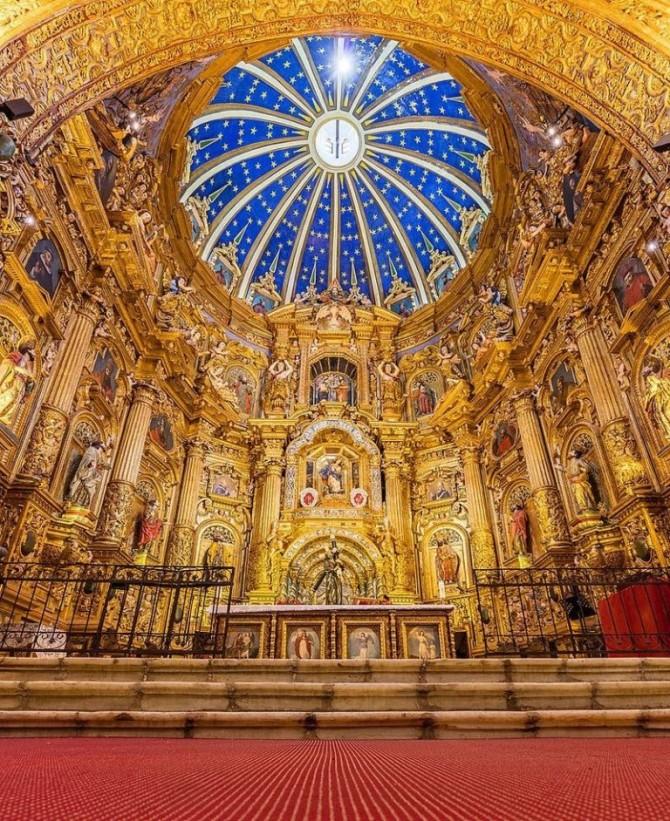 Церковь Общества Иисуса - одна из самых красивейших церквей мира (ФОТО)