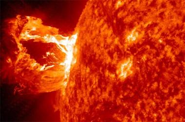 Учёные рассказали, почему на Солнце возникают мощные вспышки