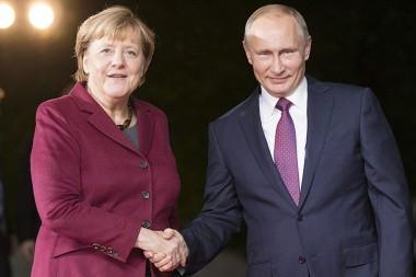 Путин принял условия Меркель по Донбассу