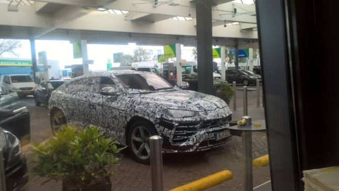 Фотошпионы засняли серийный Lamborghini Urus в Европе (ФОТО)