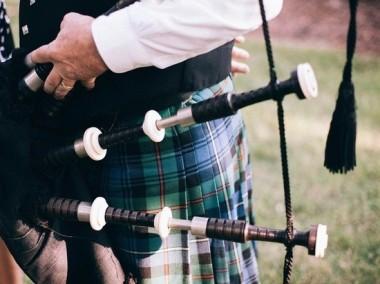 Шотландец предстал перед судом за случайное прикосновение к бедру мужчины