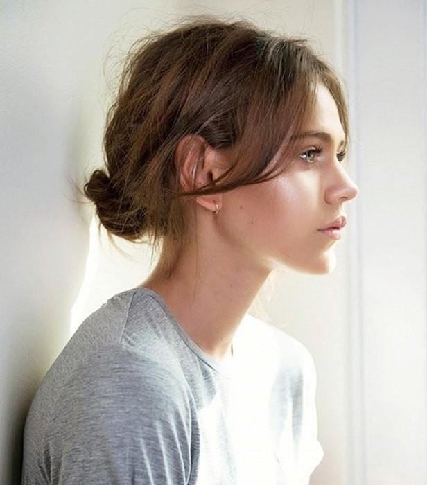 Семь простых укладок для тех, кто отращивает волосы