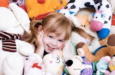 Психологи: большое количество игрушек несет вред психике ребенка