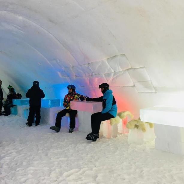 В Буковеле открылся первый в Украине ледяной отель (ФОТО)