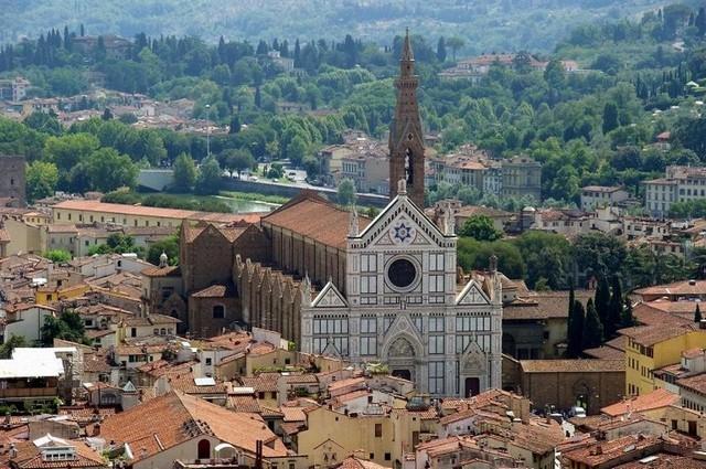 Базилика Санта-Кроче - усыпальница гениев в Италии (ФОТО)