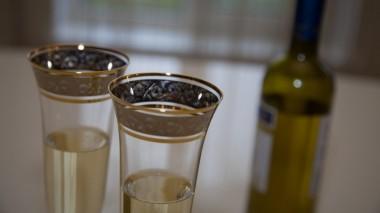 Алкоголь в малых дозах «чистит» мозг