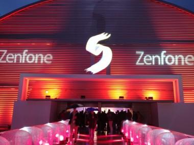 ASUS на выставке MWC 2018 представила безрамочные смартфоны ZenFone 5