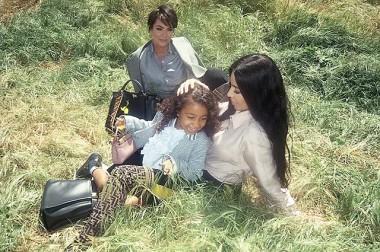 Семейный портрет Ким, Крис и Норт в новом видео Fendi