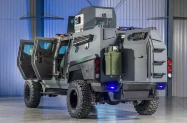 Канадская фирма создала броневик для апокалипсиса (ФОТО)