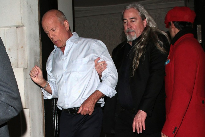 63-летний Брюс Уиллис устроил пьяный дебош в одном из клубов Лондона (ФОТО)