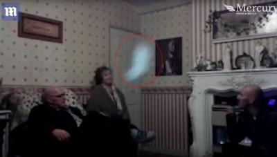 Женщина утверждает, что всех ее мужчин распугивает призрак (ВИДЕО)