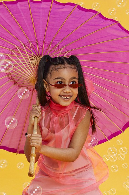 Пятилетняя Норт Уэст снялась для своей первой глянцевой обложки без мамы Ким Кардашьян (ФОТО)