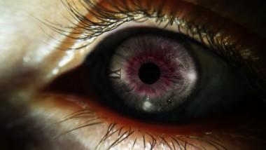 Ученые создали капли, которые помогут человеку видеть в темноте, не напрягая глаз