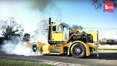 Энтузиаст из Австралии представил 900-сильный грузовик (ВИДЕО)