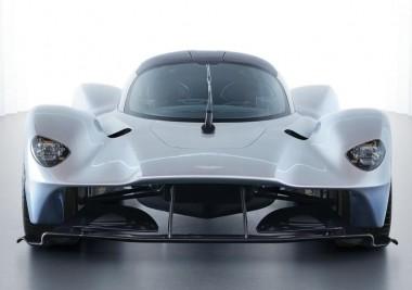 Aston Martin построил симулятор гибридного суперкара Valkyrie (ВИДЕО)
