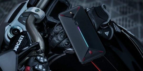 Nubia представила первый игровой смартфон с кулером и 8K камерой (ФОТО)