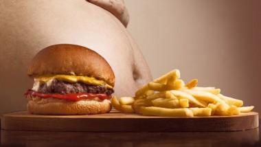 Учёные: вредная еда убивает больше людей, чем курение