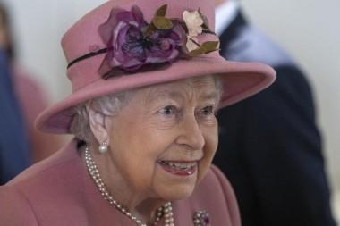 Елизавета II обожает шоколад и французскую кухню