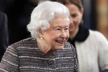 Королева Елизавета II начала искать «идеального садовника»