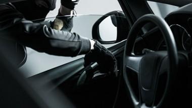 В США кражу на дороге «застукал» видеорегистратор (ВИДЕО)