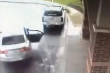 Восьмилетний мальчик спас сестру от преступника (ВИДЕО)