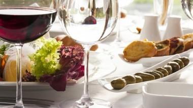 Шведские ученые рассказали о влиянии красного вина на психику