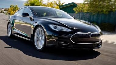 В электрокаре Tesla Model 3 обнаружили «протечку» (ВИДЕО)