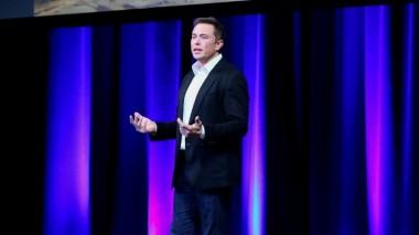 Илон Маск собрался контролировать расходы сотрудников Tesla