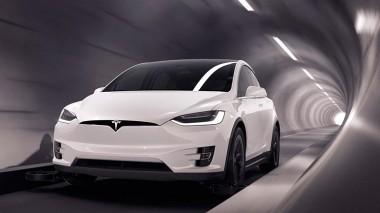 Две Tesla Model 3 устроили соревнование на земле и под землей (ВИДЕО)
