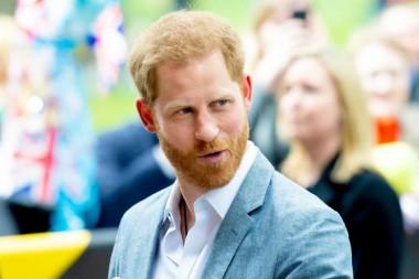 Принц Гарри одновременно встречался с Меган Маркл и моделью Burberry