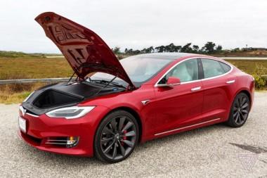 В Tesla сделали официальное заявление о причине возгорания электромобиля в Шанхае