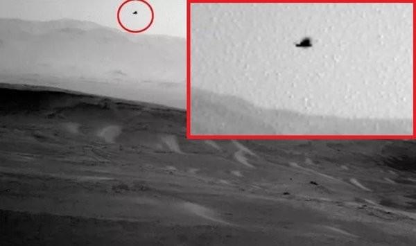 На Марсе засняли орла, парящего в небе (ФОТО)