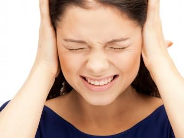 Причины шума в ушах могут быть связаны с многими болезнями