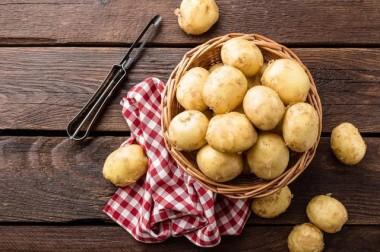 Украине грозит дефицит яблок и картошки