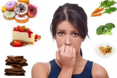 Врачи объяснили, как отказ от сладкого провоцирует набор веса
