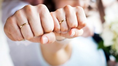 Американка съела обручальное кольцо во сне
