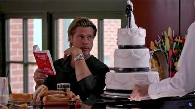 Брэд Питт и Джимми Фэллон задаривают друг друга едой в ресторане (ВИДЕО)