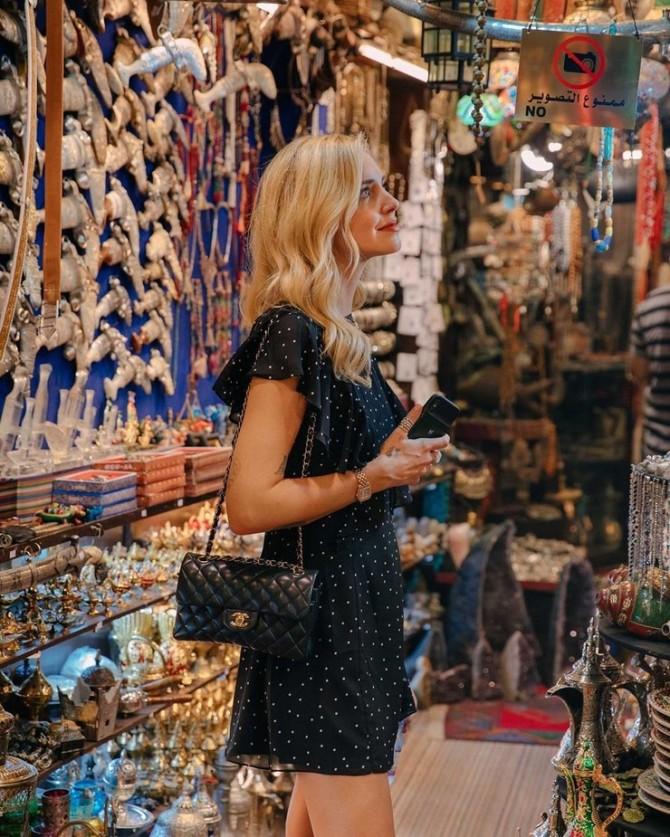 Кьяра Ферраньи отправилась в романтическое путешествие с мужем в Оман (ФОТО)