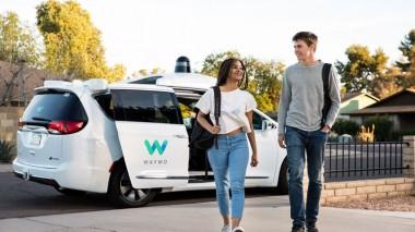 Waymo запускает беспилотные автомобили без водителя-тестировщика