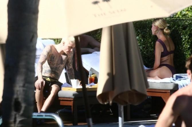Джастин Бибер сменил имидж и отметил День Благодарения с Хейли Бибер в Майами (ФОТО)