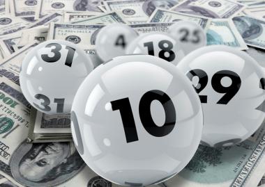 Американка играла в лотерею с одними и теми же числами и разбогатела