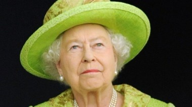 СМИ: Королева Елизавета II может отречься от престола